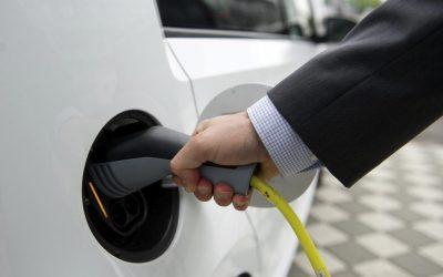 Anàlisi de la xarxa de carregadors per a vehicles elèctrics als ajuntaments