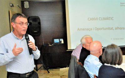 El fundador de Plataforma ZEO, Josep Maria Riba, da una conferencia para el Rotary Club