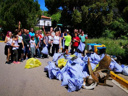 PlataformaZEO recull 270 quilos d'escombraries durant la TrobadaZEO de Bellaterra