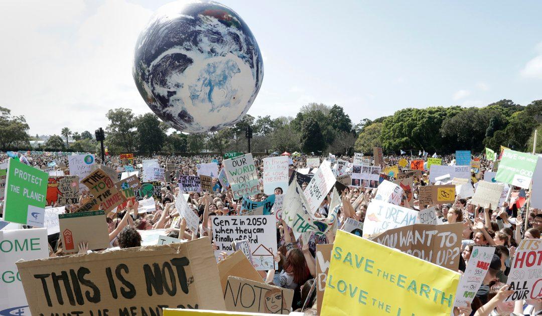 """Cada vez todos """"más ZEO"""". El Parlamento Europeo también declara el Estado de Emergencia Climática"""