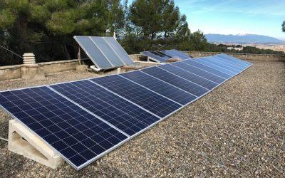 Una asociación de vecinos consigue que 50 viviendas se pasen al autoconsumo eléctrico