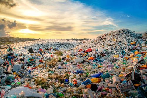 ¿Cuánto CO2 emite el plástico?