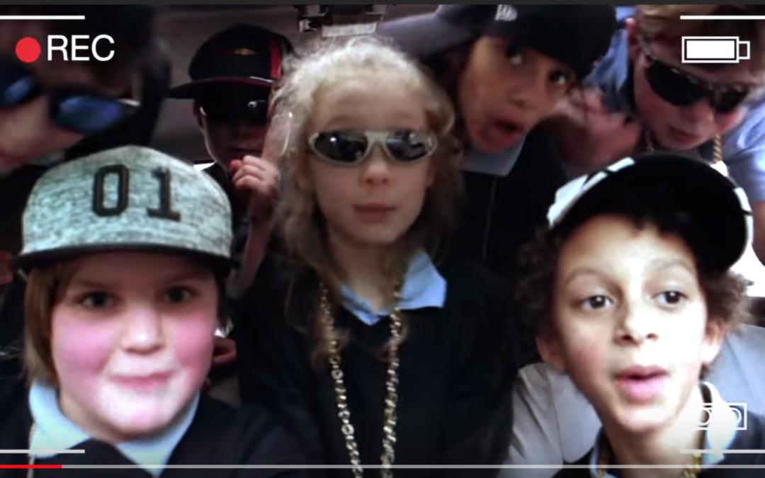 VÍDEO: El rap d'uns escolars irlandesos sobre el canvi climàtic es torna viral