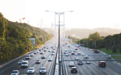 ¿Cuántas emisiones de CO2 genera el sector del automóvil?